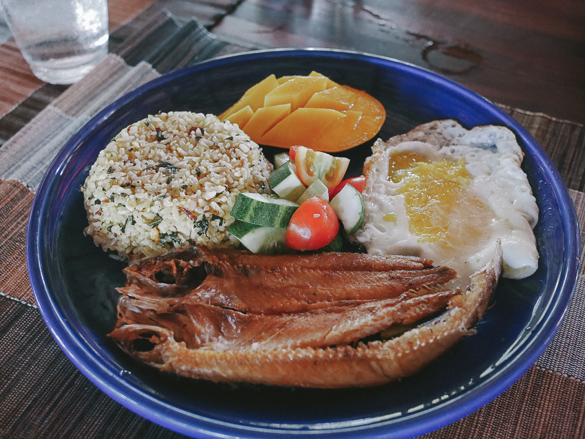 siargao harana food fried fish