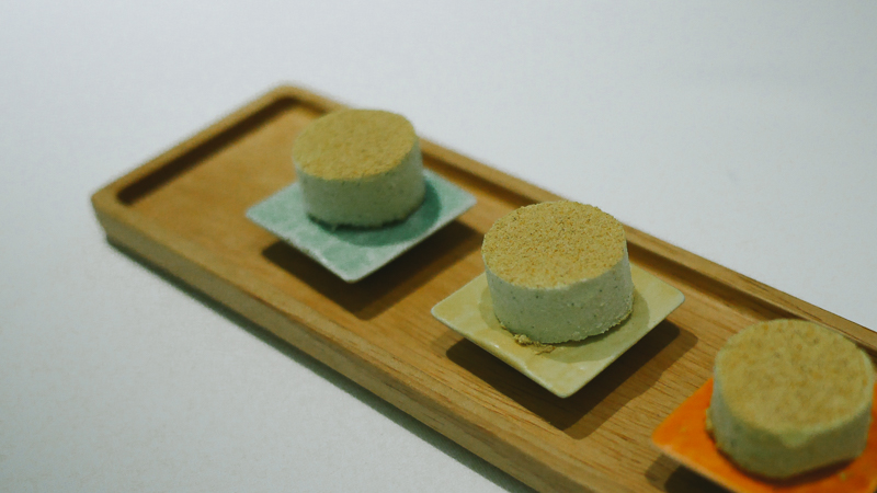 Gaggan uncooked curry cookie