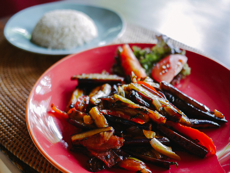 33 food grilled eggplant, bell pepper and rice