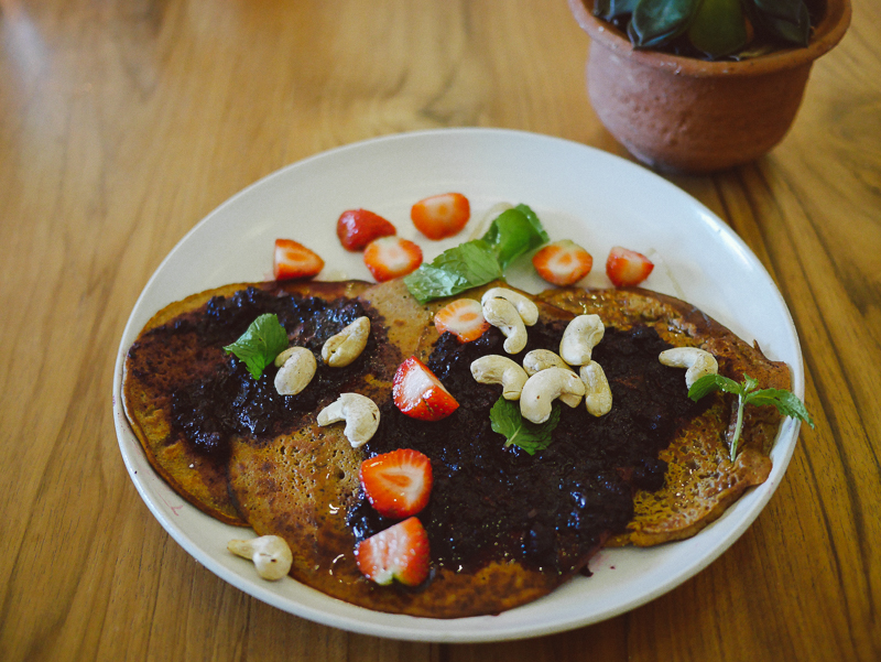 Cafe organic blueberry pancakes