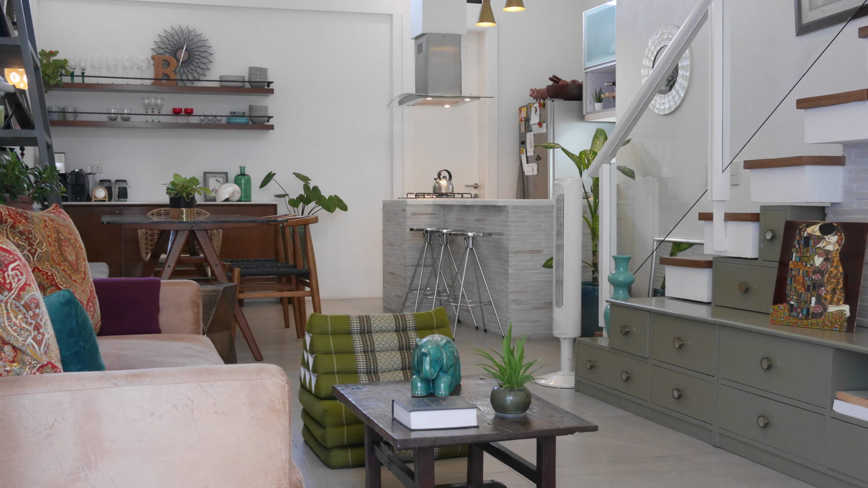 A tour of my newly decorated minimalist home bianca king for Minimalist house instagram